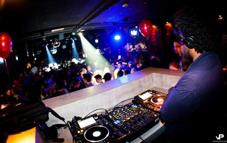 Sic Faux at Club-Livv